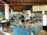 Ресторан в отеле Shangri-La Rasa Sentosa 4*, Сентоза, Сингапур