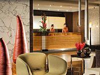 холл в отеле Plaza Parkroyal on Beach Road 4*, Сингапур