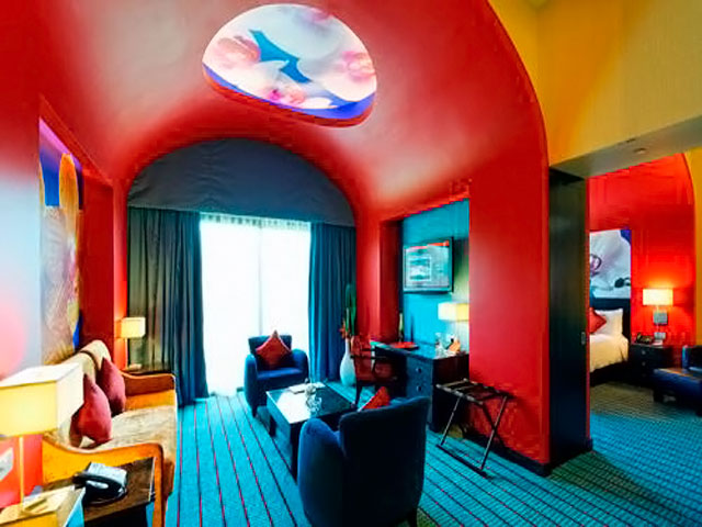Resorts World Sentosa: Festive Hotel - Deluxe Suite King
