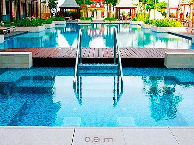 Resorts World Sentosa: Festive Hotel - Swimming Pool