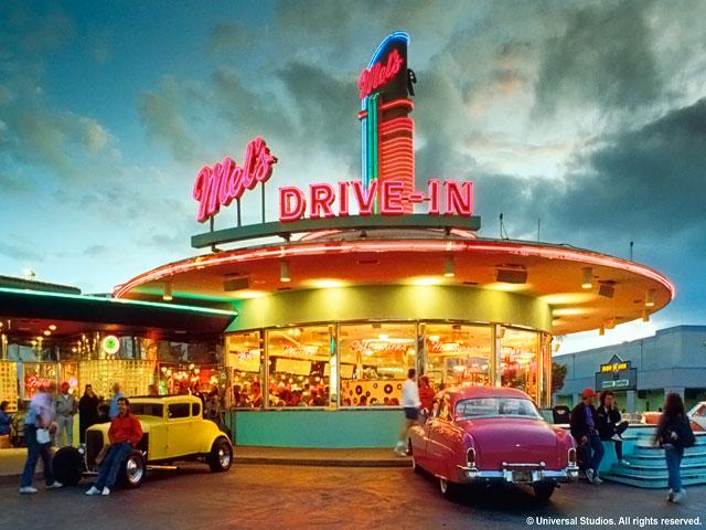 Resorts World Sentosa: Hollywood Boulevard Zone - Mel's Diner